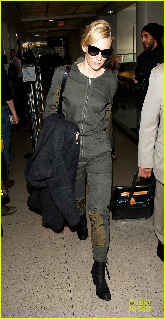 cate blanchett lax arrival after nyfcc awards ceremony 053024727