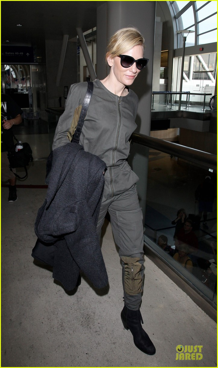 cate blanchett lax arrival after nyfcc awards ceremony 073024729