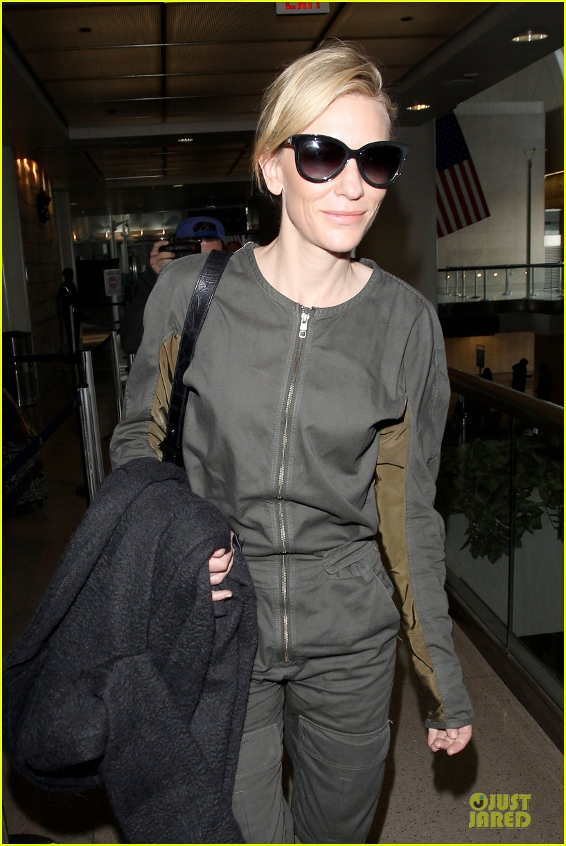 cate blanchett lax arrival after nyfcc awards ceremony 10