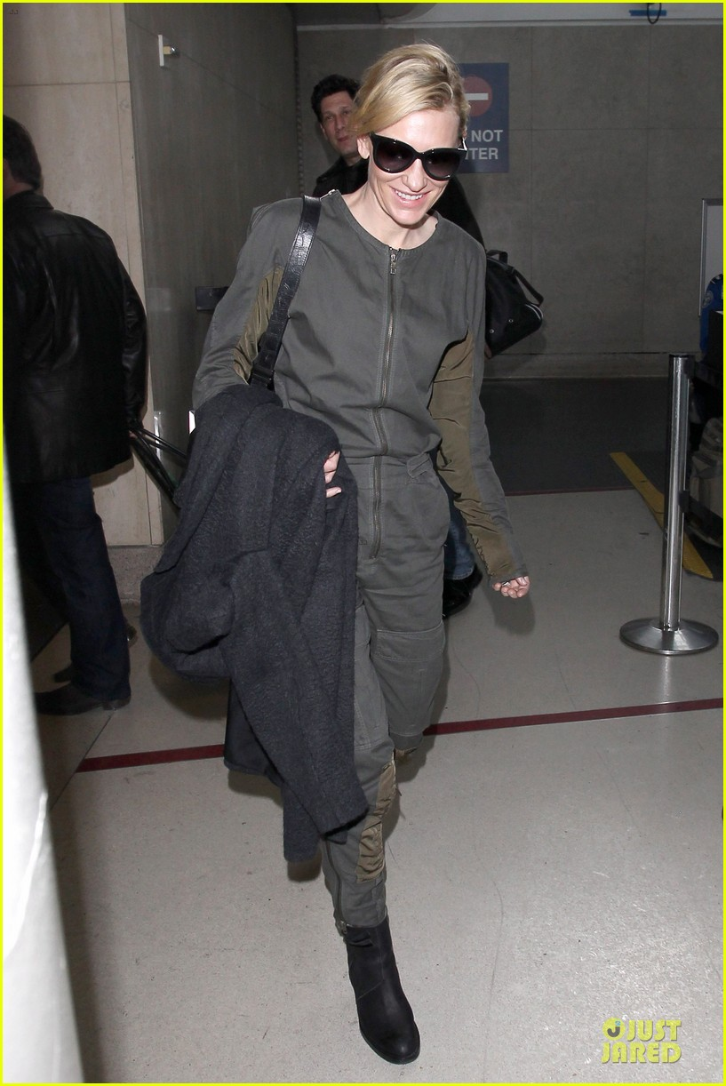 cate blanchett lax arrival after nyfcc awards ceremony 113024733