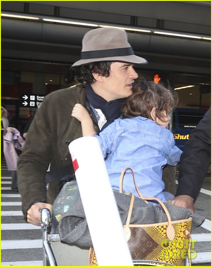 orlando bloom brings flynn to los angeles after his 3rd bday 023026673