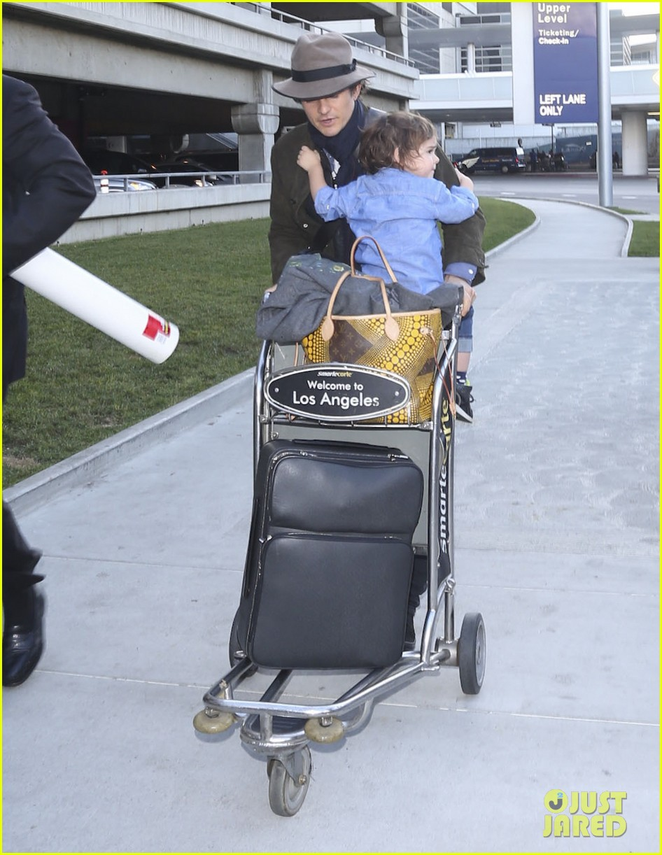 orlando bloom brings flynn to los angeles after his 3rd bday 053026676