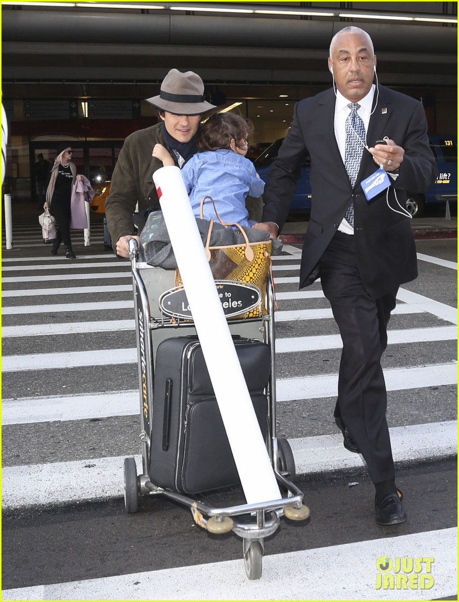 orlando bloom brings flynn to los angeles after his 3rd bday 063026677