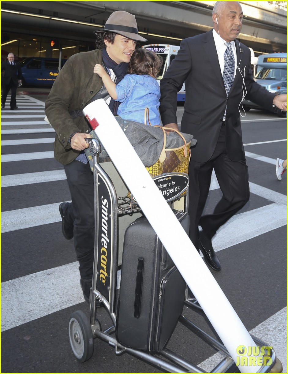 orlando bloom brings flynn to los angeles after his 3rd bday 083026679