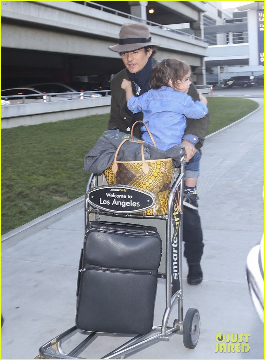 orlando bloom brings flynn to los angeles after his 3rd bday 093026680