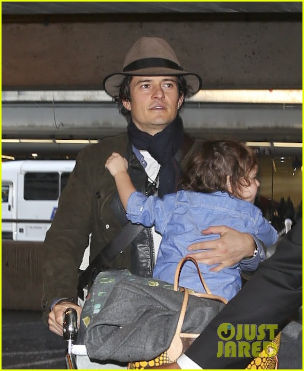 orlando bloom brings flynn to los angeles after his 3rd bday 113026682