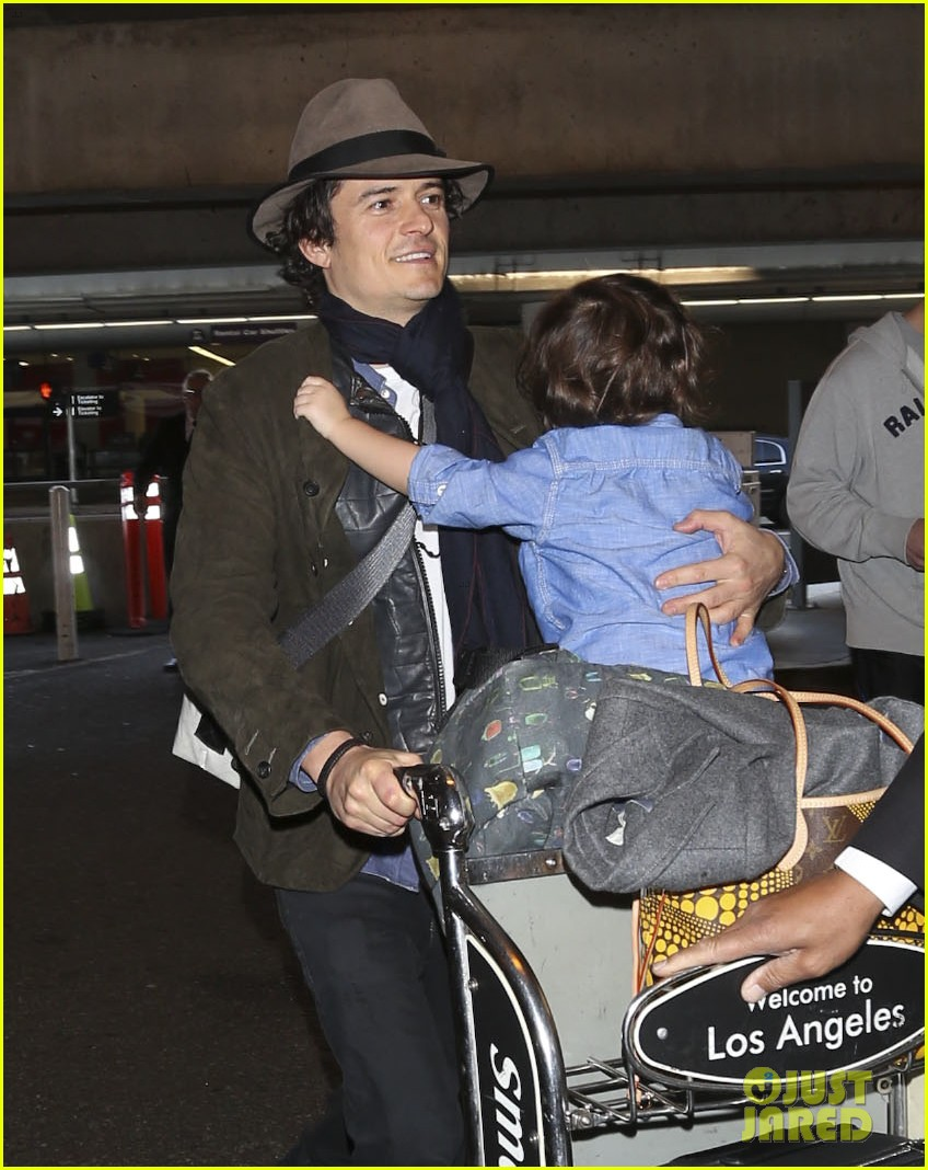orlando bloom brings flynn to los angeles after his 3rd bday 123026683
