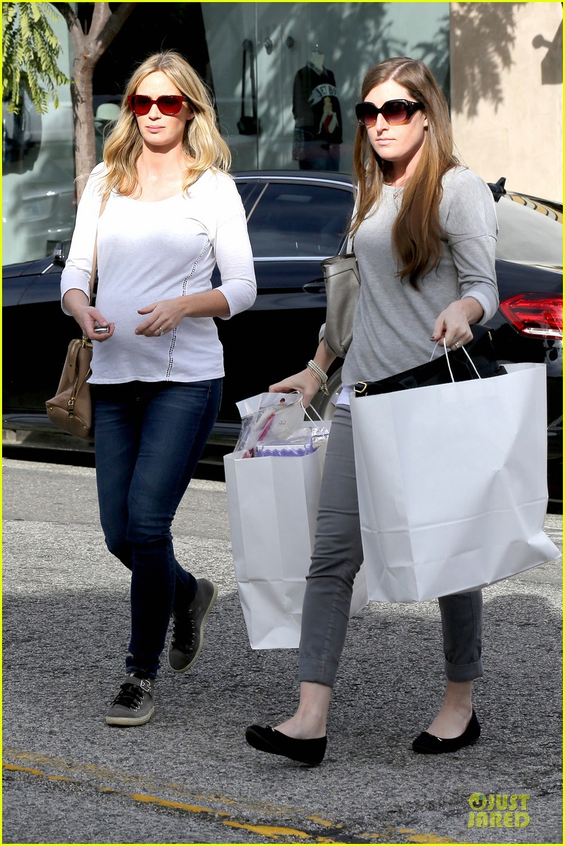 emily blunt baby shopping spree at bel bambini 073024043