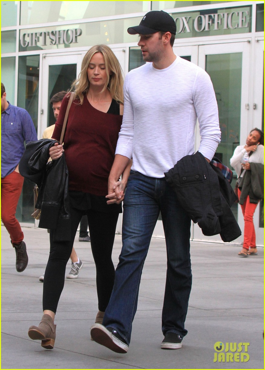 emily blunt john krasinski catch up on their movies 083022705