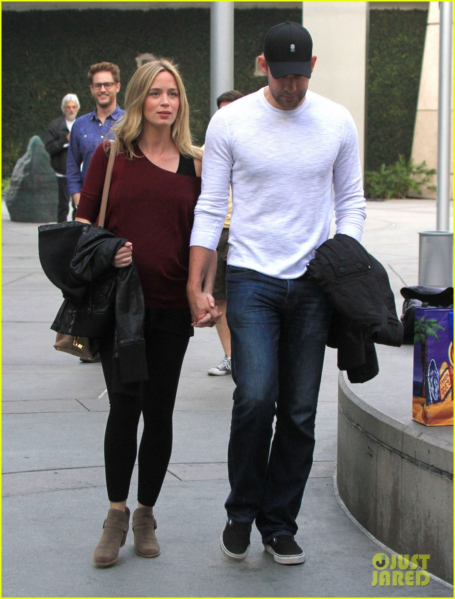 emily blunt john krasinski catch up on their movies 12