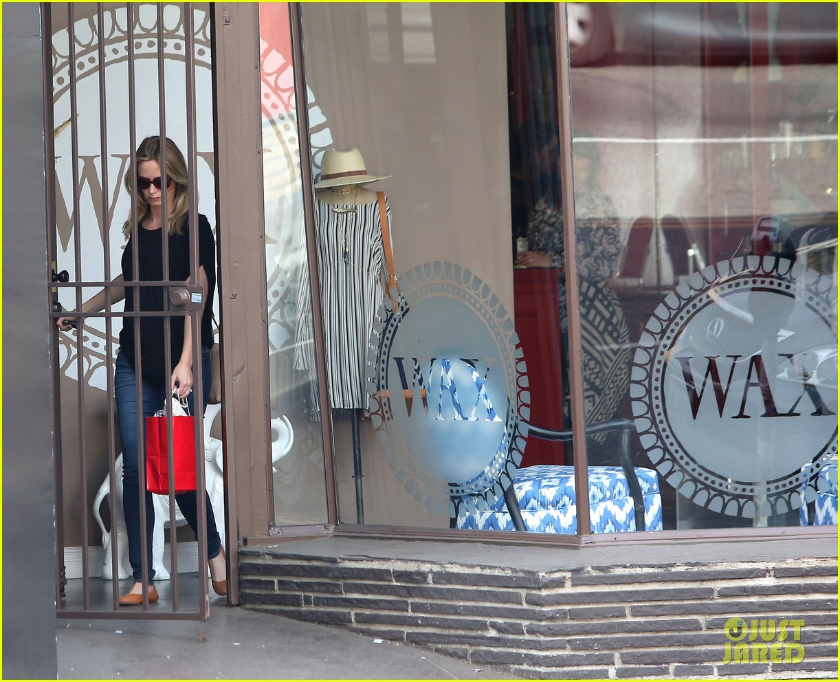 emily blunt gets in a day of pampering 063025345