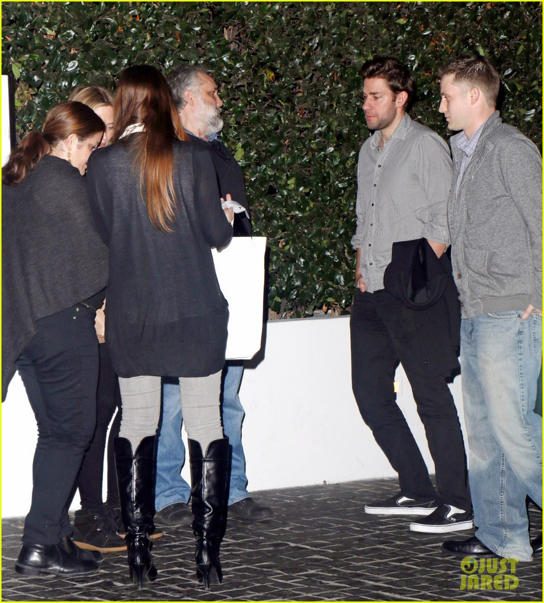 emily blunt looks ready to pop at dinner with john krasinski 063037751