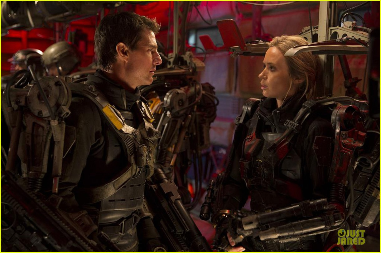 emily blunt new edge of tomorrow still with tom cruise 053031334
