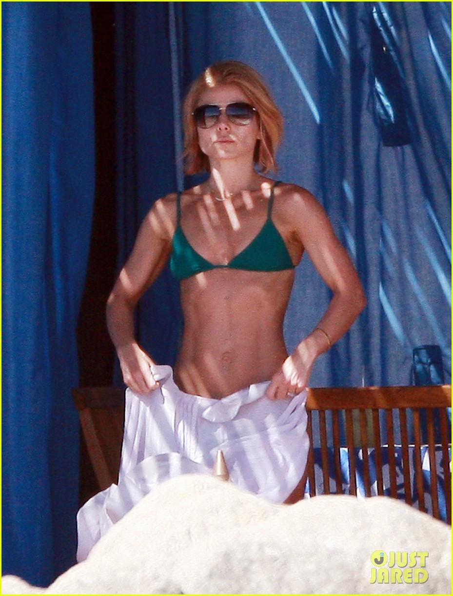 matt bomer shirtless sexy cabo vacation with simon halls 083035169