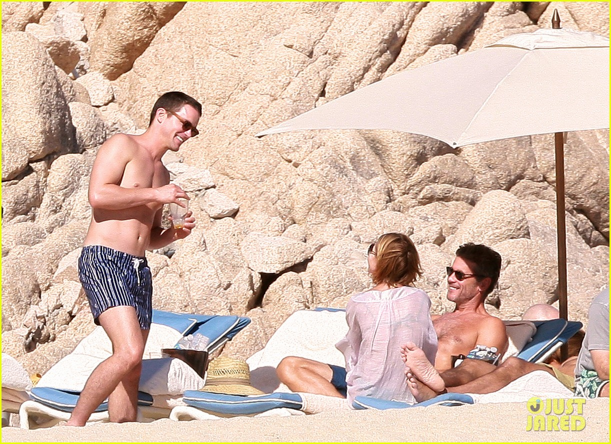 matt bomer shirtless sexy cabo vacation with simon halls 13