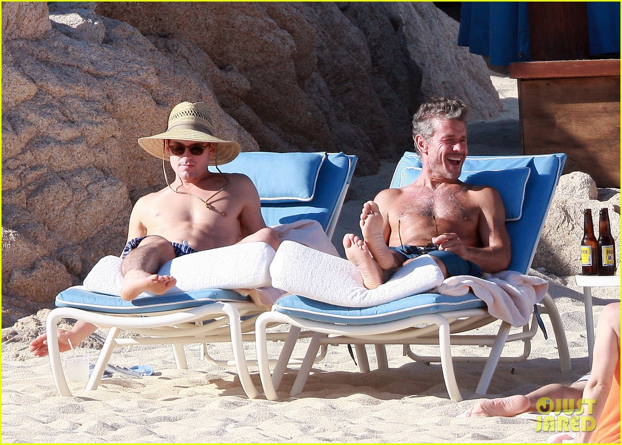 matt bomer shirtless sexy cabo vacation with simon halls 25