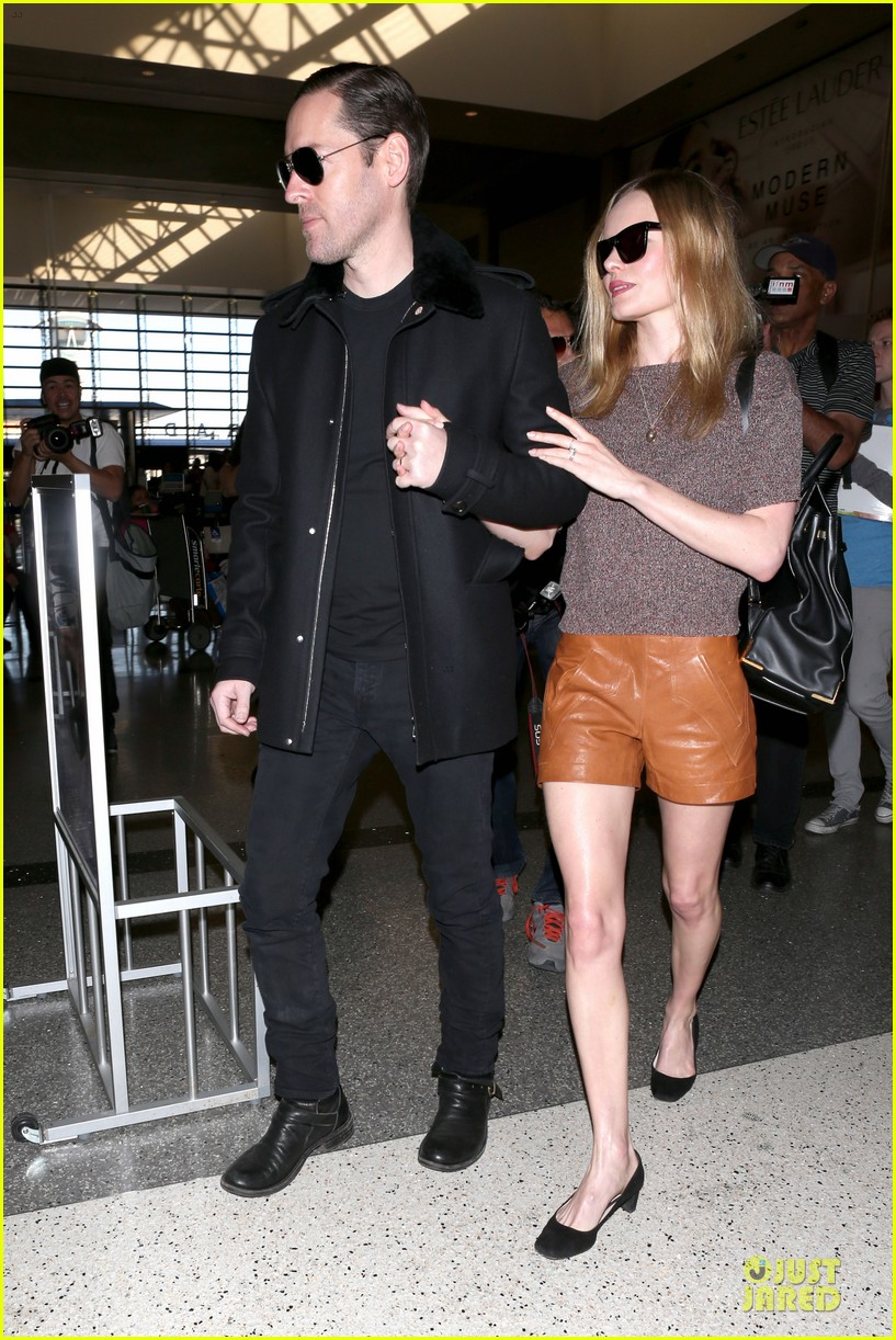kate bosworth michael polish hold hands for france getaway 25