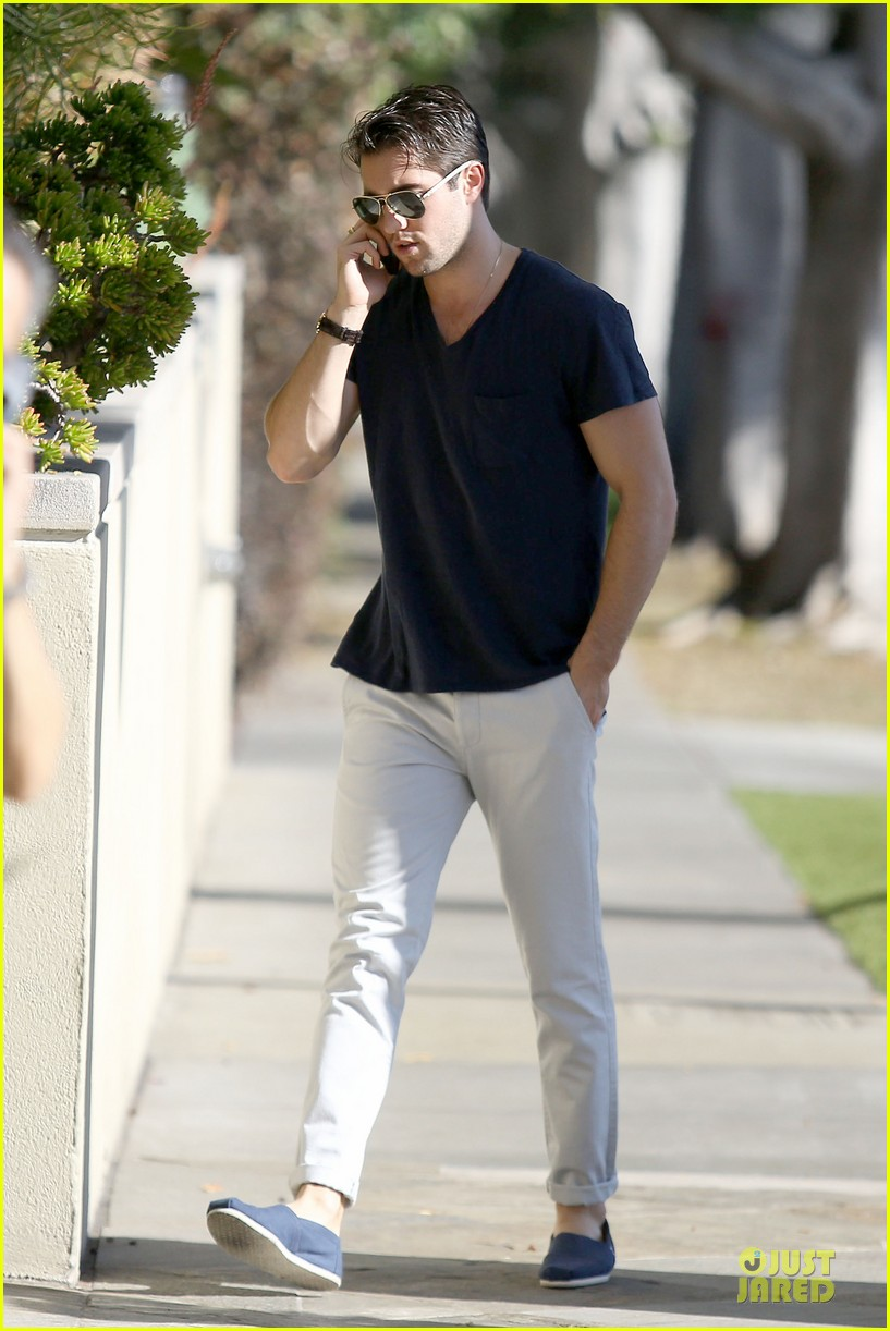 josh bowman new revenge episode on golden globes sunday 193027638