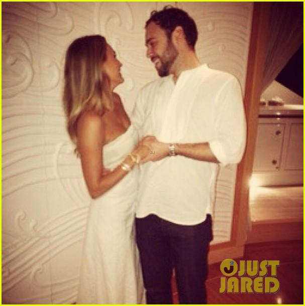 scooter braun engaged to yael cohen 01