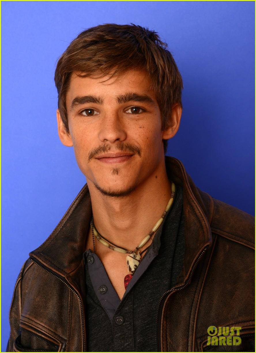 brenton thwaites the signal at sundance 023037730