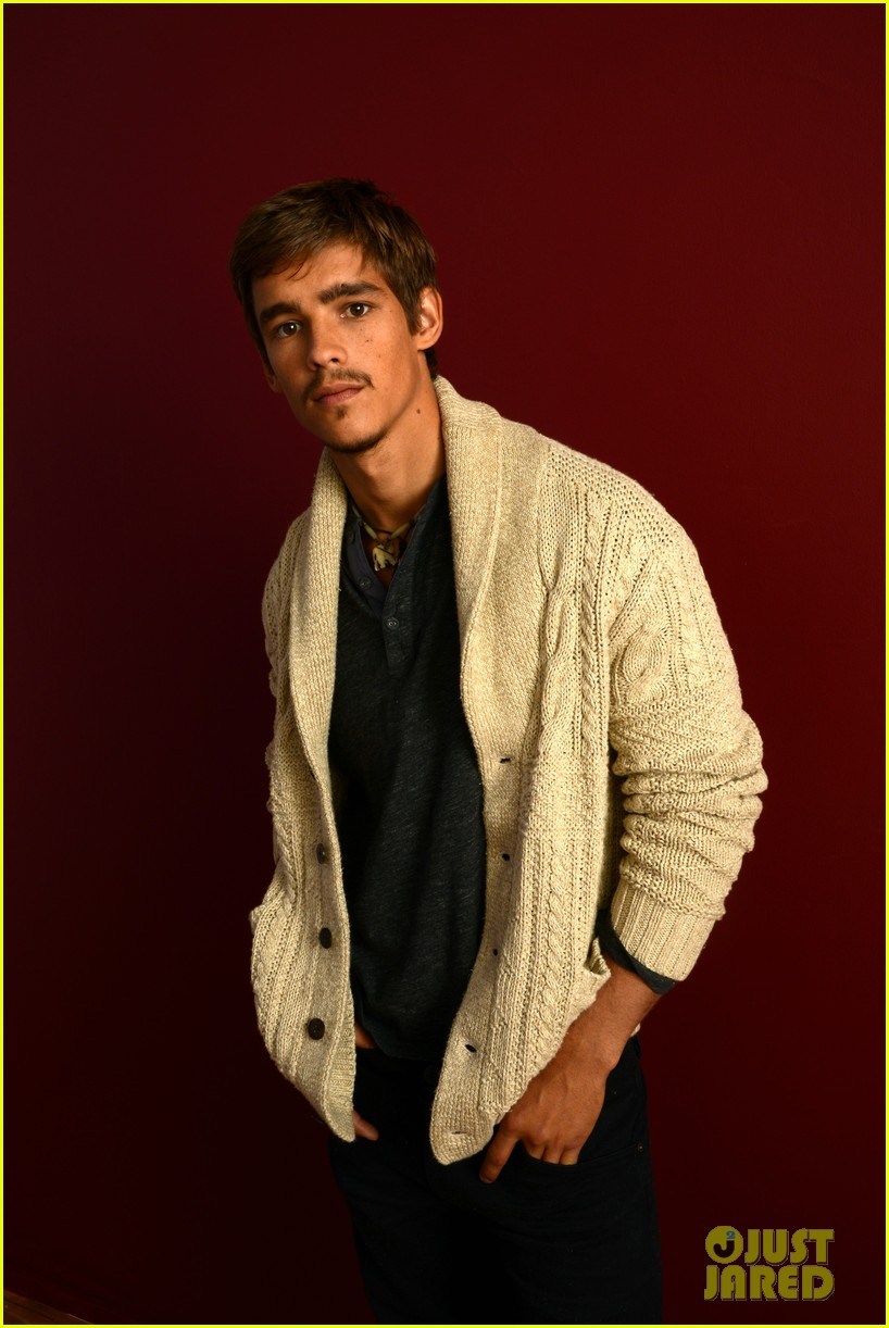 brenton thwaites the signal at sundance 043037732