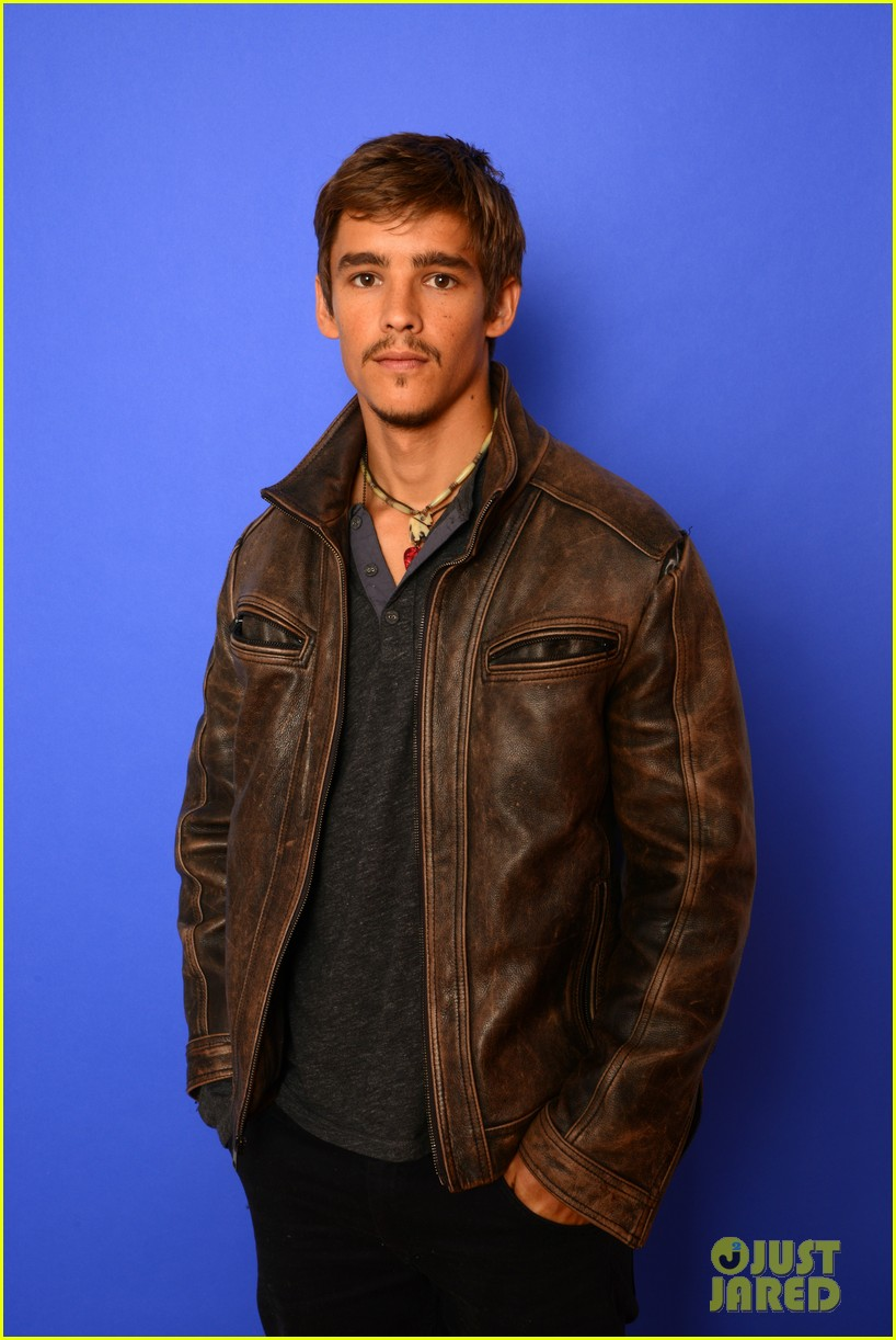 brenton thwaites the signal at sundance 113037739