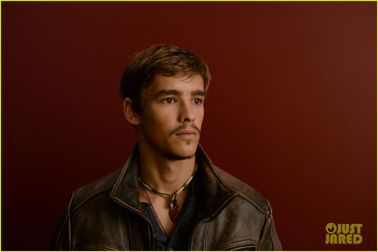 brenton thwaites the signal at sundance 13