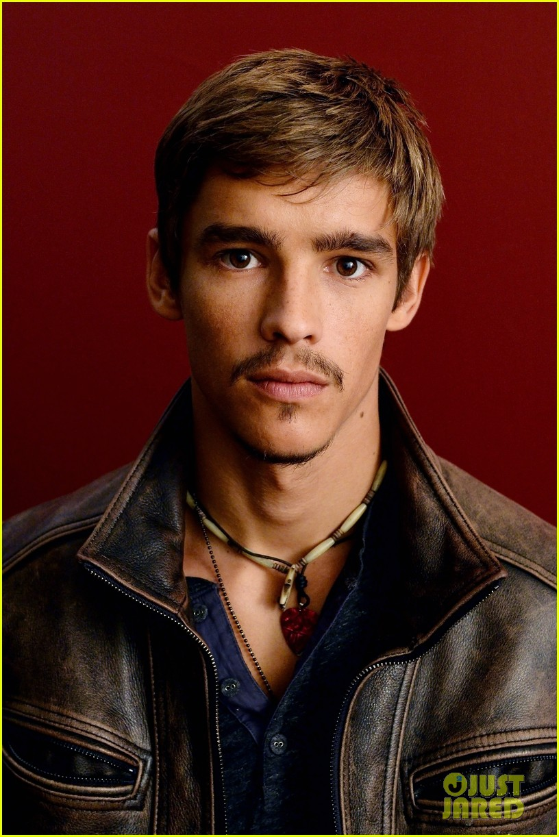 brenton thwaites the signal at sundance 17