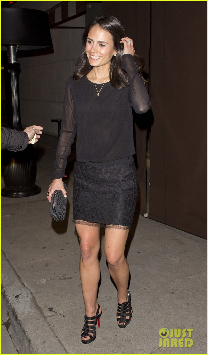 jordana brewster new years eve dinner with andrew form 013021984