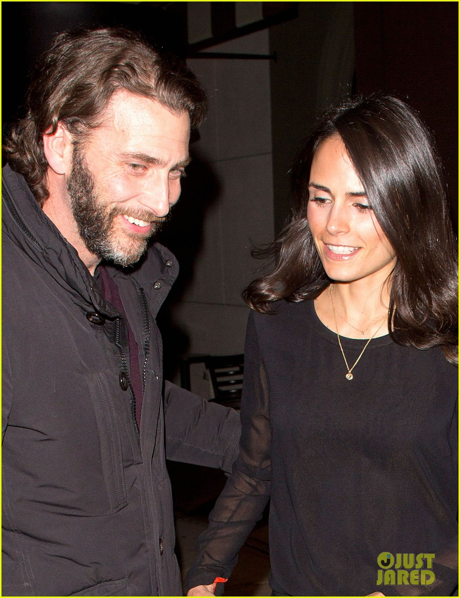 jordana brewster new years eve dinner with andrew form 023021985