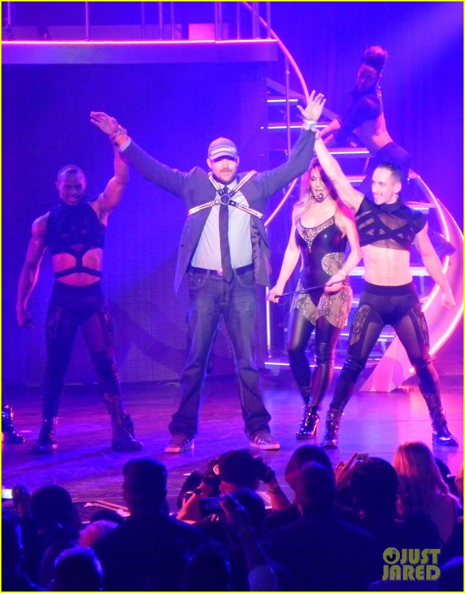 britney spears ties up boyfriend david lucado during new years eve concert 283020984