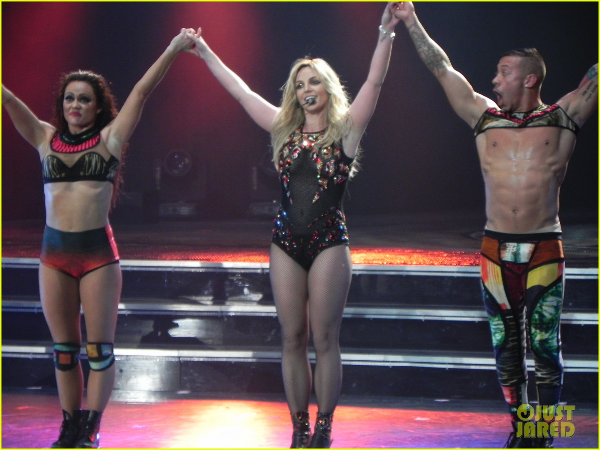 britney spears ties up boyfriend david lucado during new years eve concert 333020989
