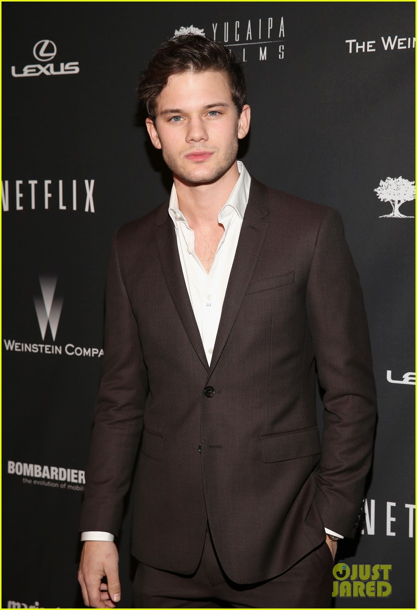 daniel bruhl jeremy irvine weinstein golden globes party 2014 06