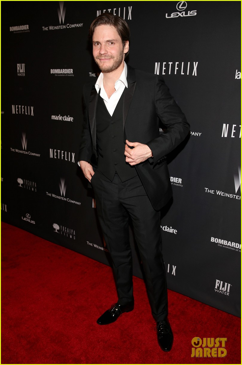 daniel bruhl jeremy irvine weinstein golden globes party 2014 073030180