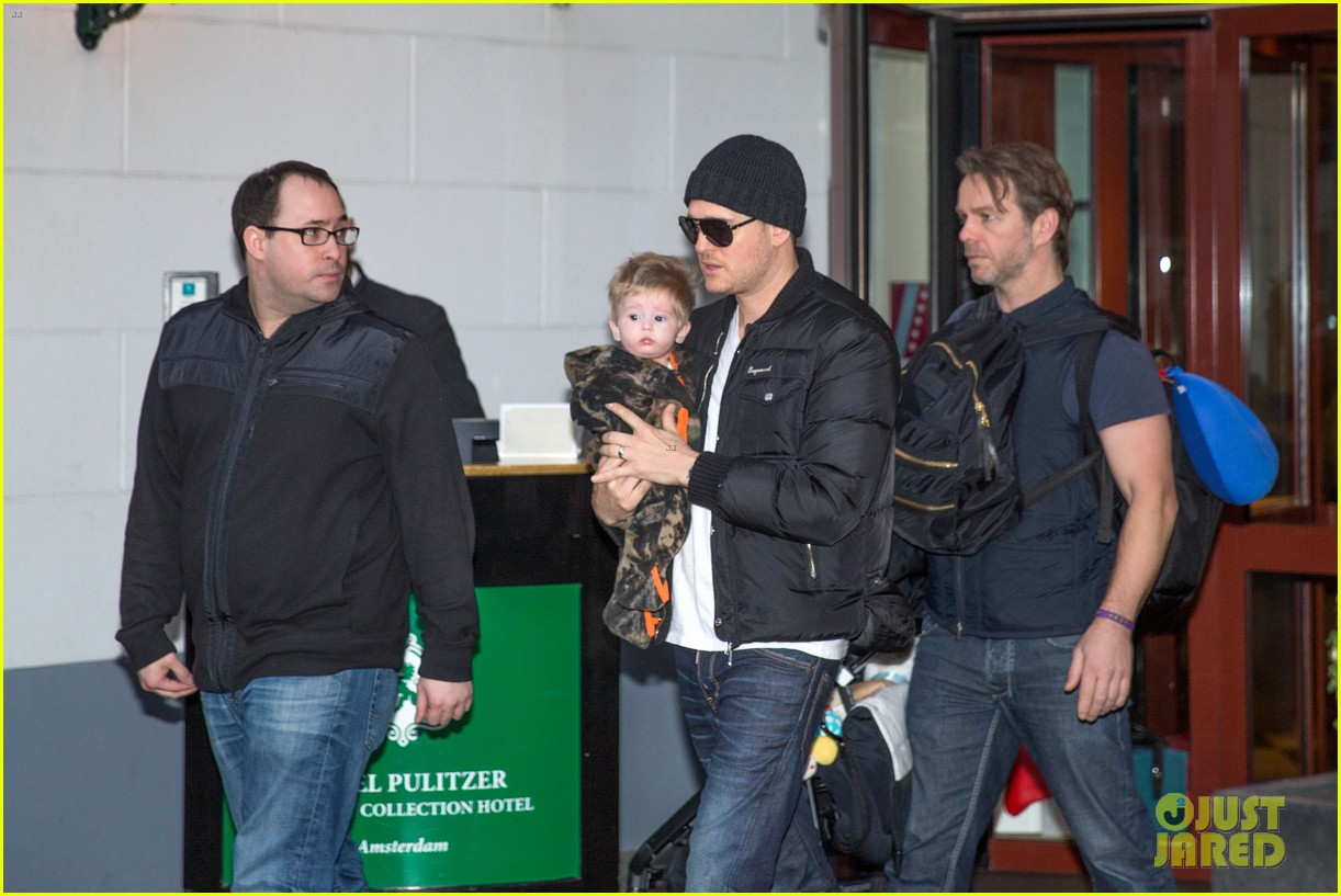 michael buble luisana lopilato amsterdam vacation with baby noah 013036910