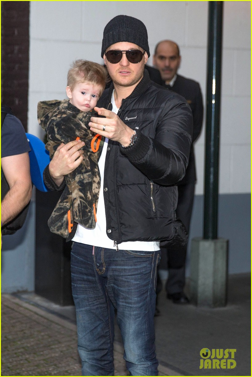 michael buble luisana lopilato amsterdam vacation with baby noah 113036920