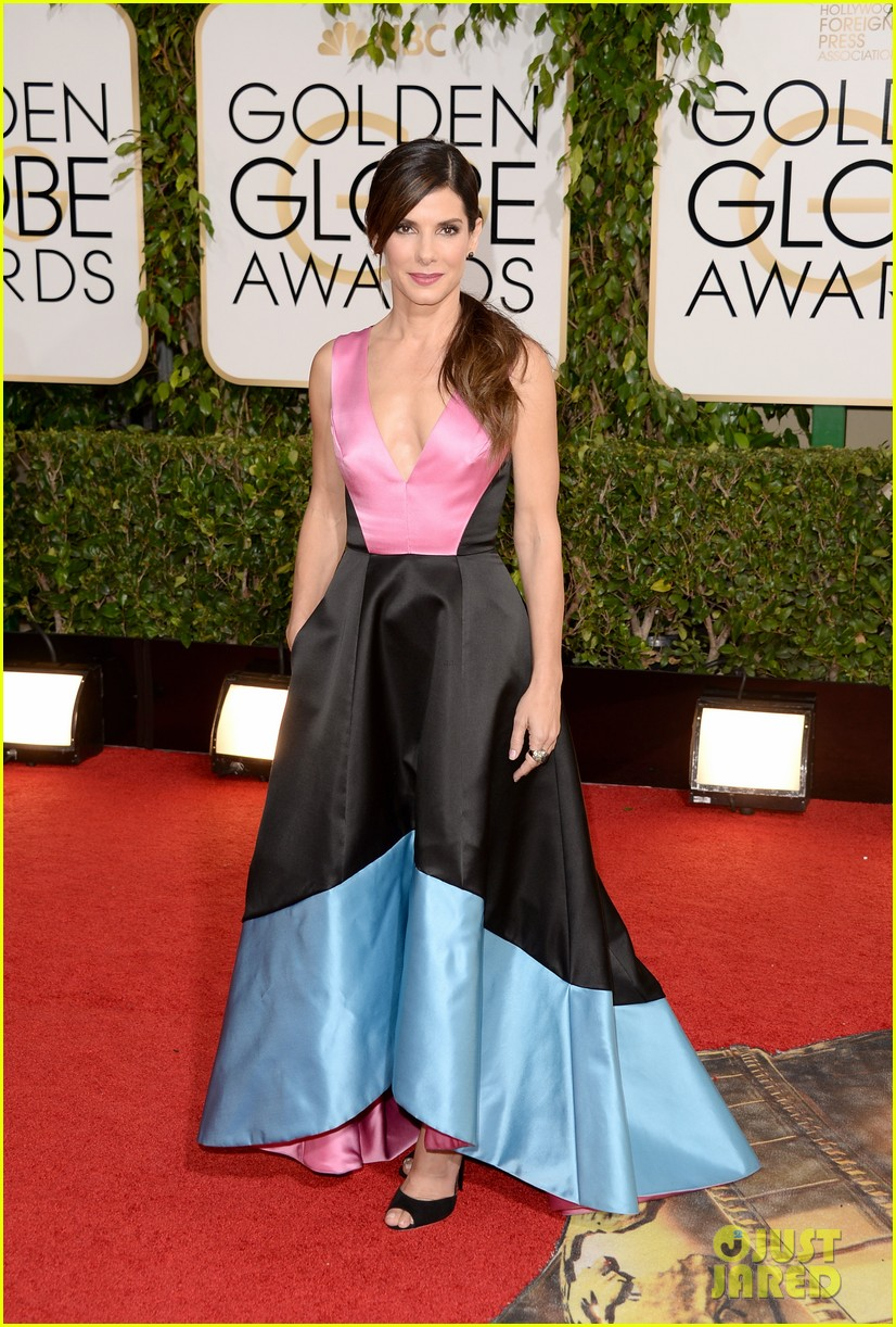 sandra bullock golden globes 2014 red carpet 013029289