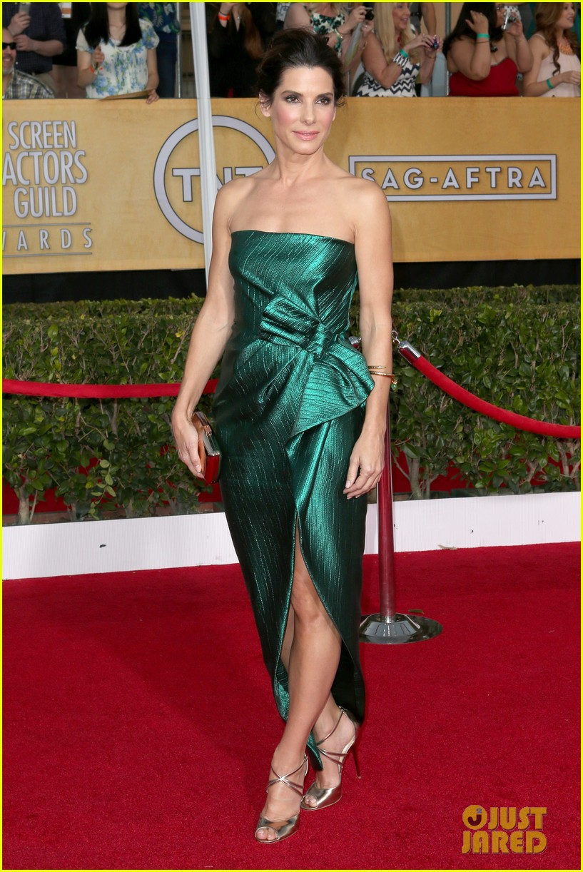 sandra bullock sag awards 2014 red carpet 013034833