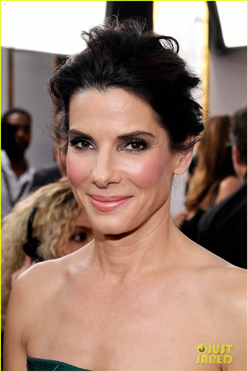 sandra bullock sag awards 2014 red carpet 043034836