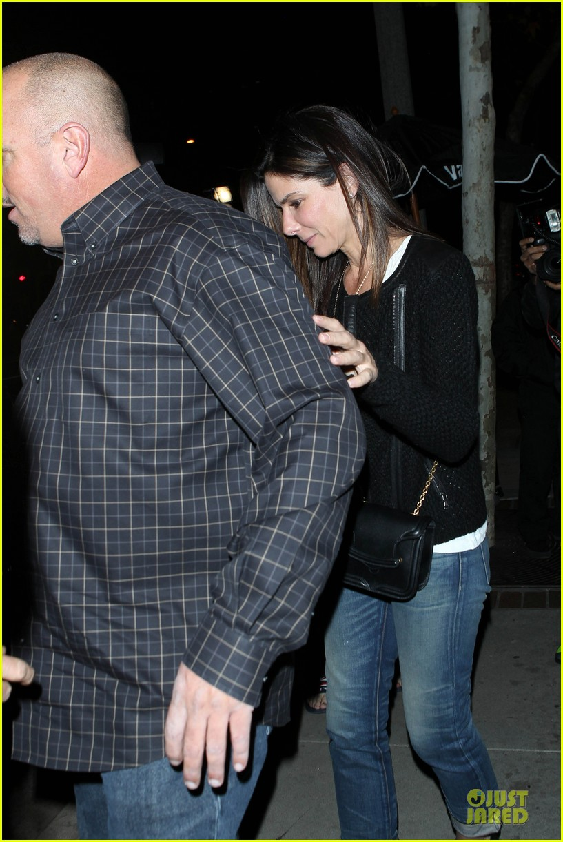sandra bullock shopping with mystery man after golden globes 083031620