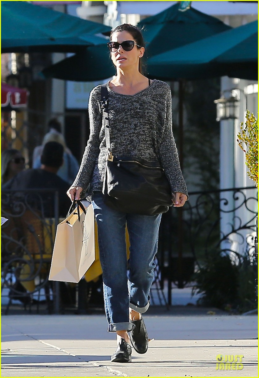 sandra bullock shopping with mystery man after golden globes 153031627