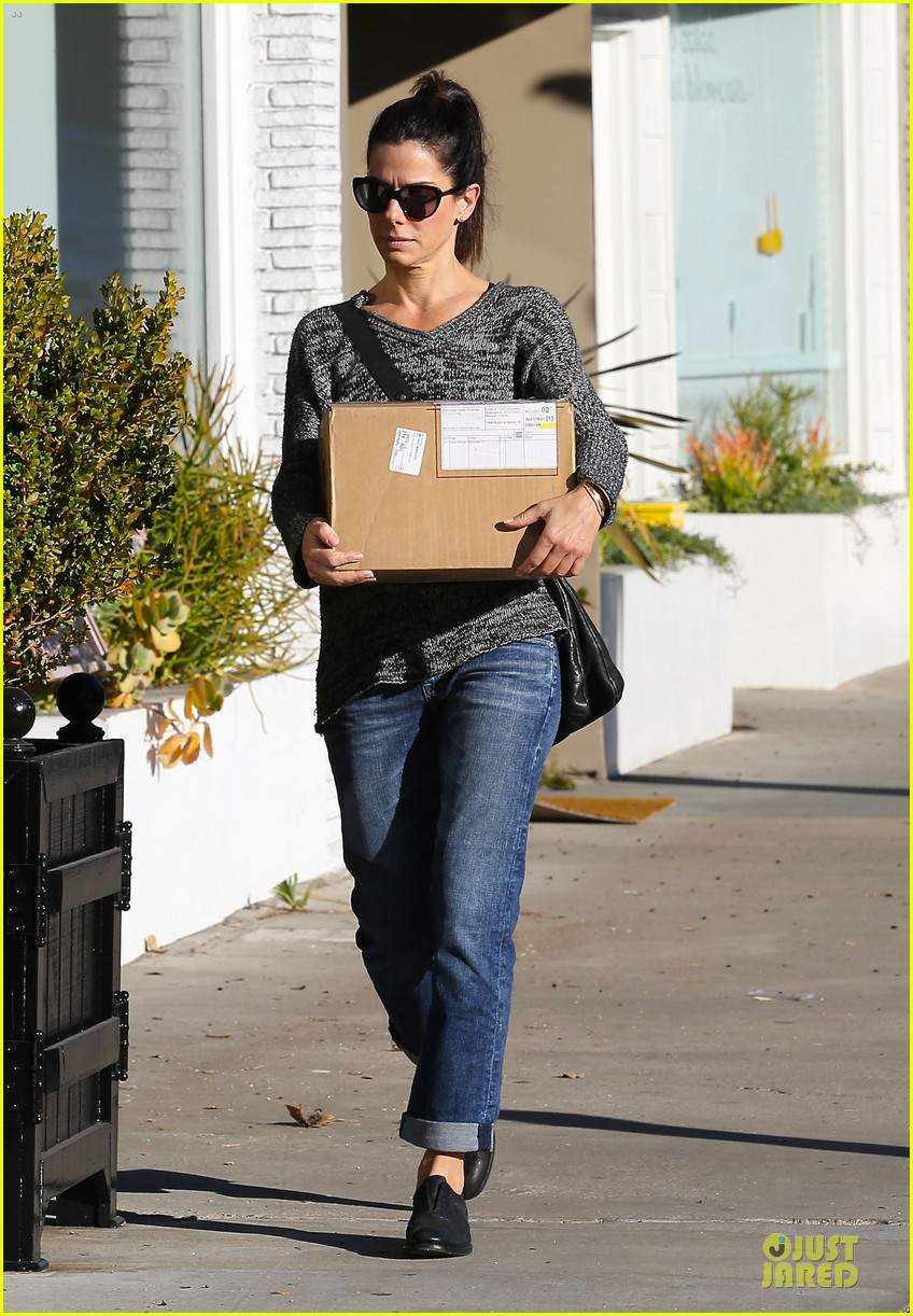sandra bullock shopping with mystery man after golden globes 173031629