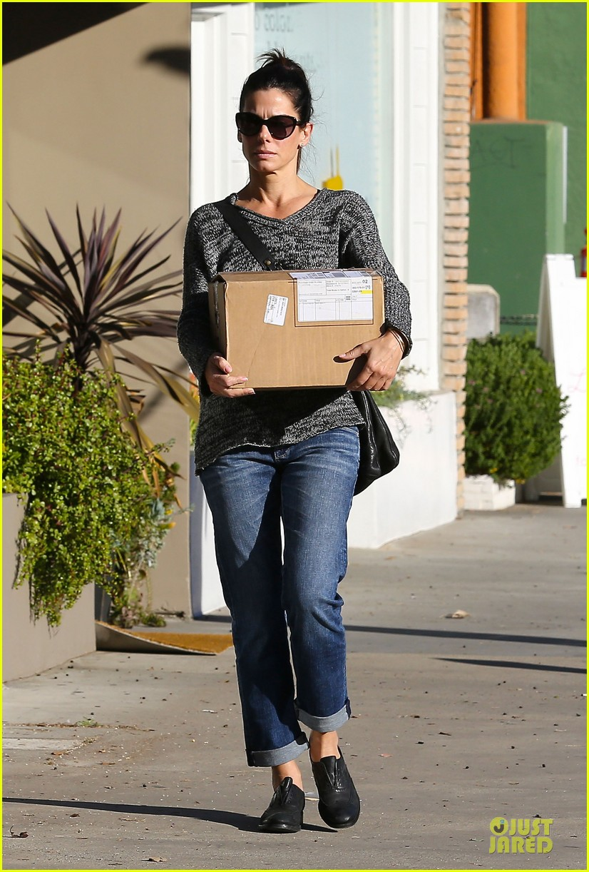 sandra bullock shopping with mystery man after golden globes 193031631