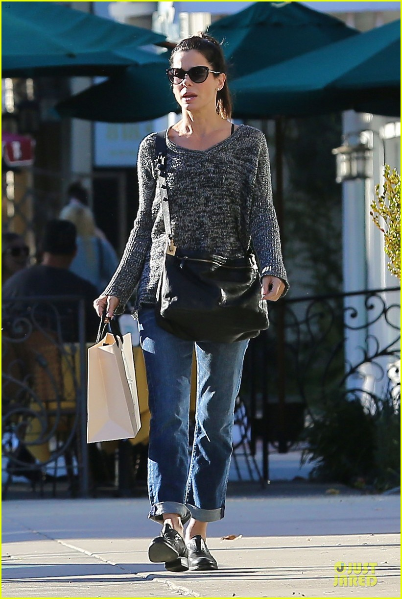 sandra bullock shopping with mystery man after golden globes 253031637