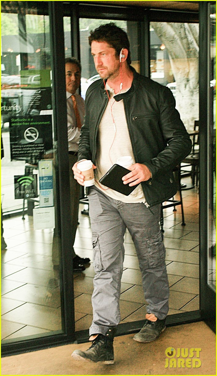 gerard butler steps out as gods of egypt casts more actors 013044411