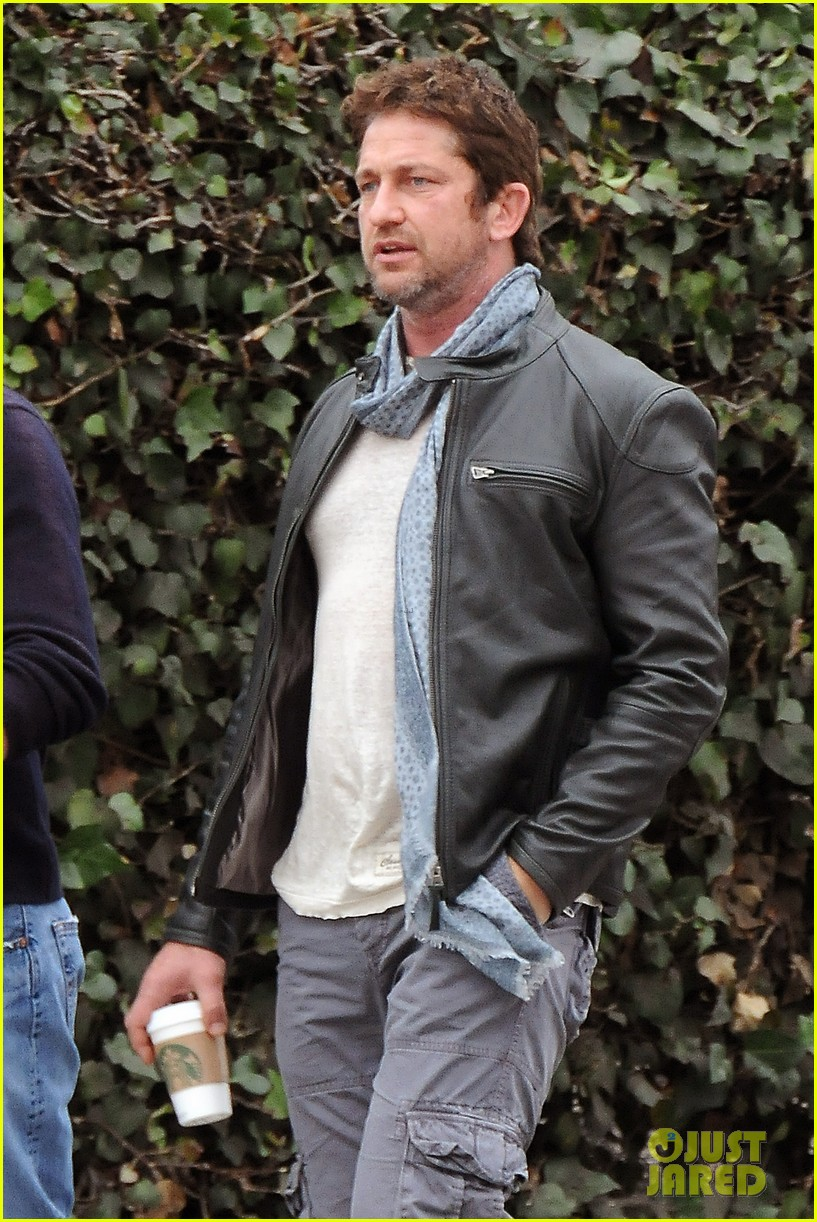 gerard butler steps out as gods of egypt casts more actors 023044412