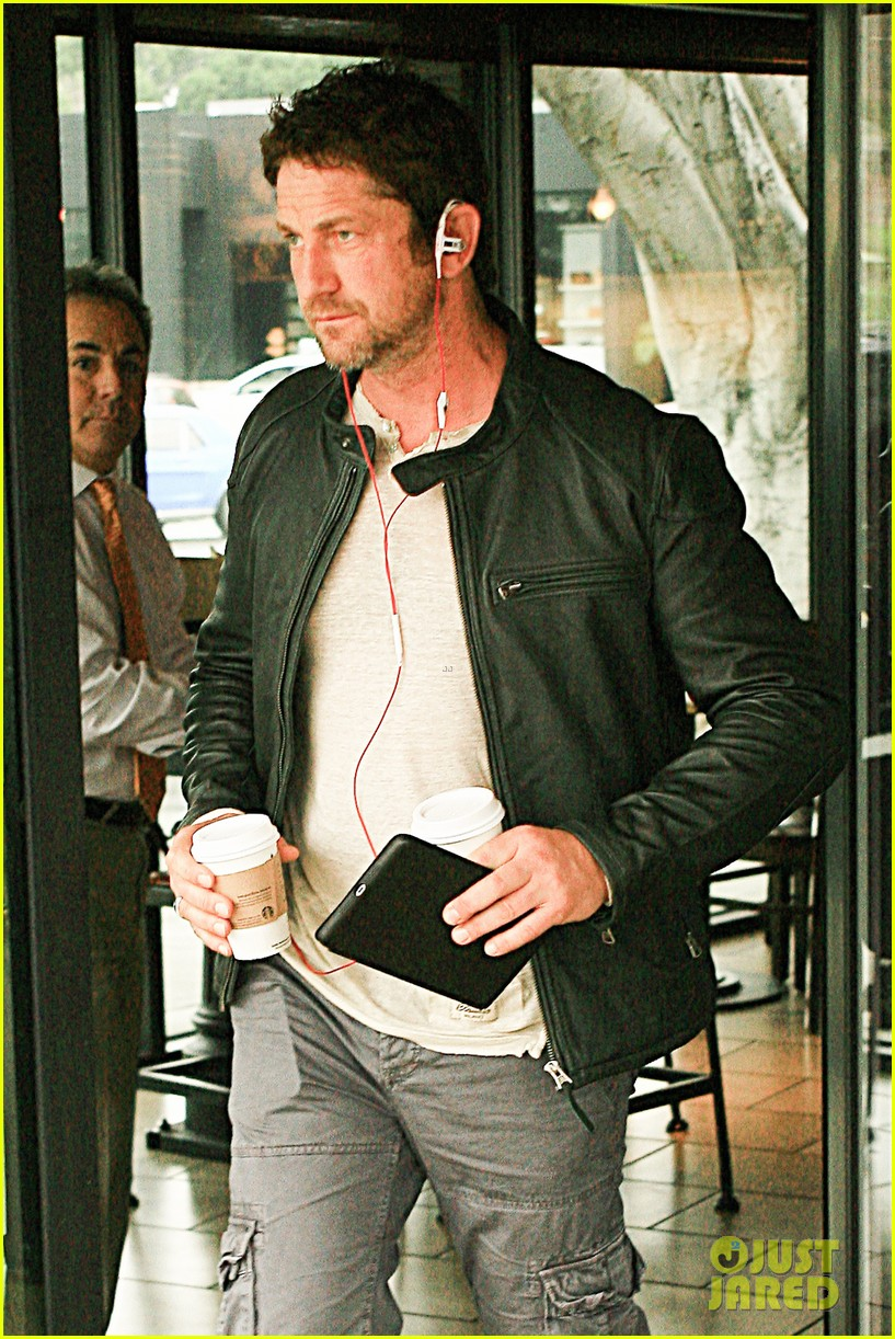 gerard butler steps out as gods of egypt casts more actors 043044414