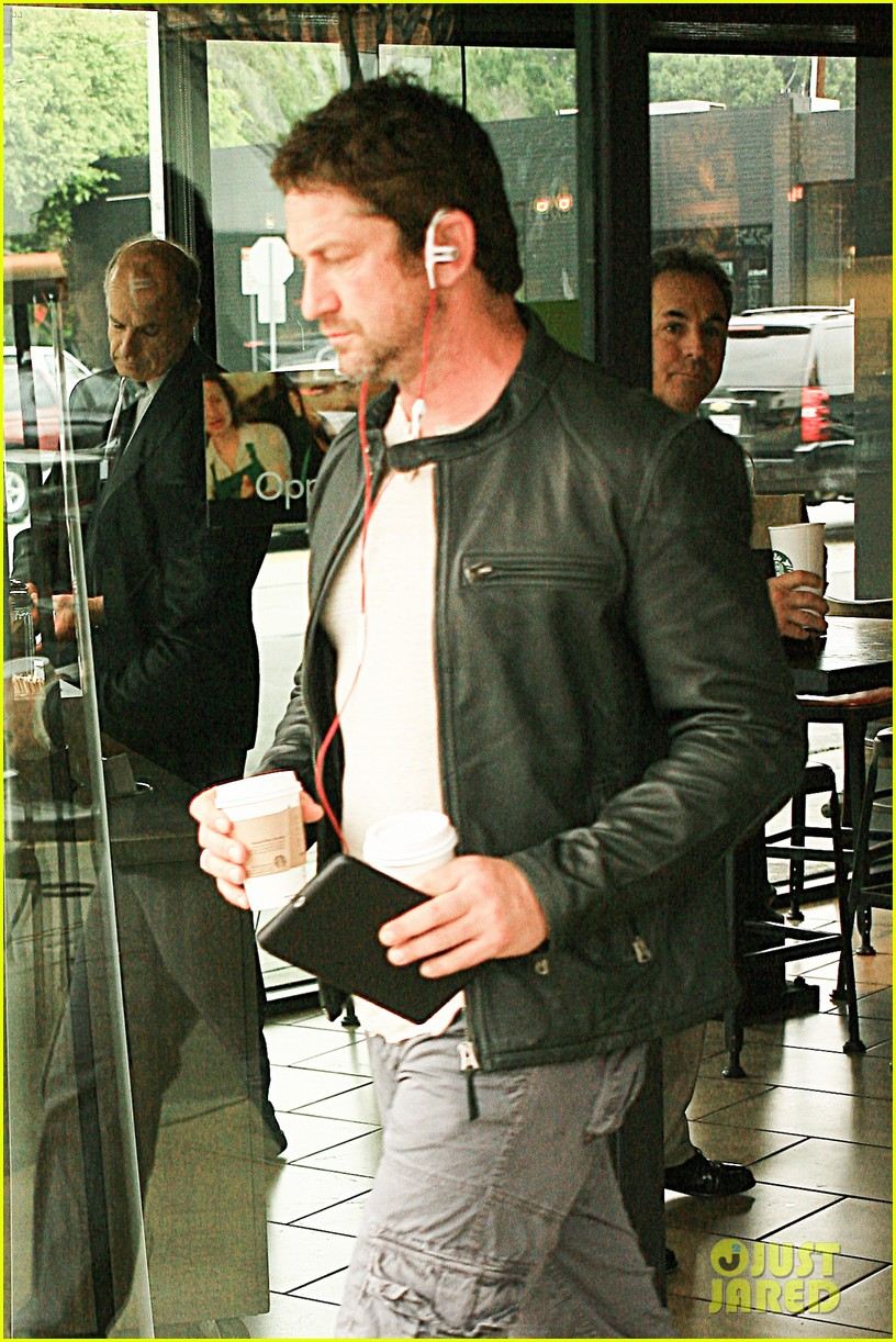 gerard butler steps out as gods of egypt casts more actors 08