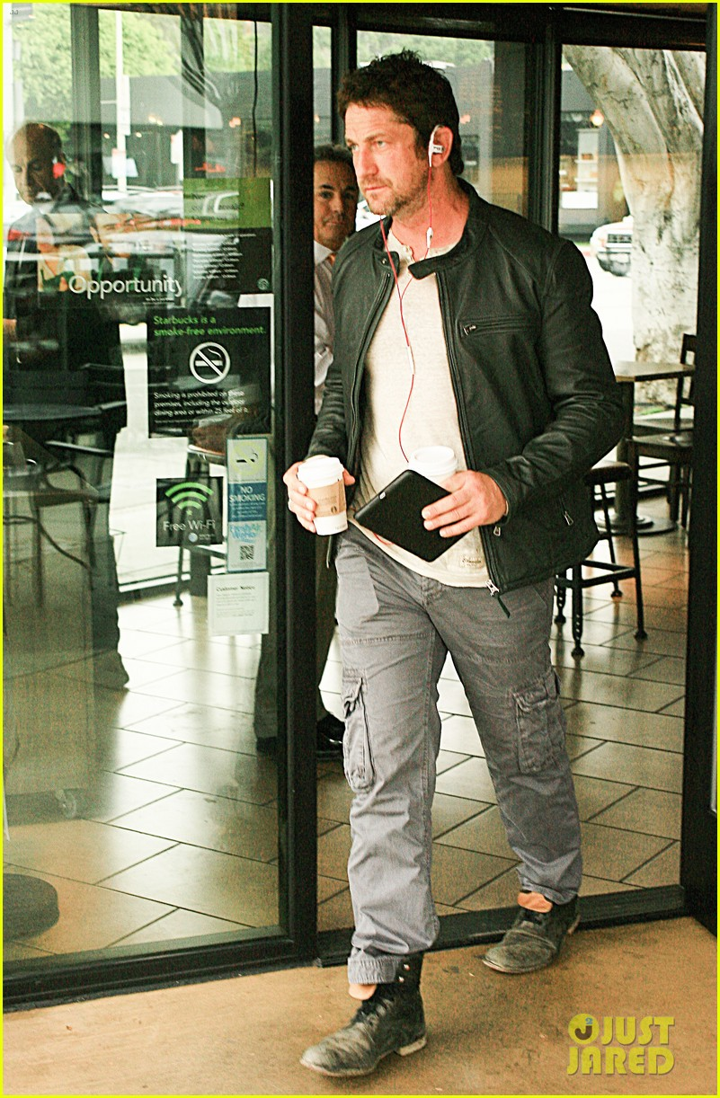 gerard butler steps out as gods of egypt casts more actors 093044419