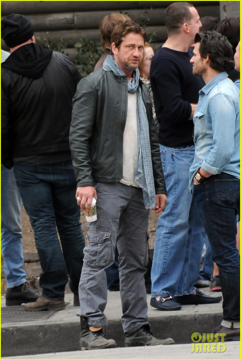 gerard butler steps out as gods of egypt casts more actors 193044429